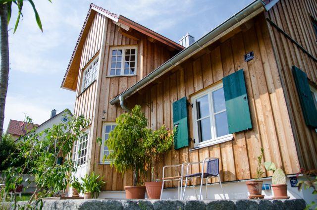 Holzhäuser Bayern holzhaus mit englischem erker